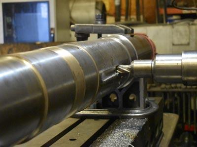Révision et maintenance de rouleau sur machine